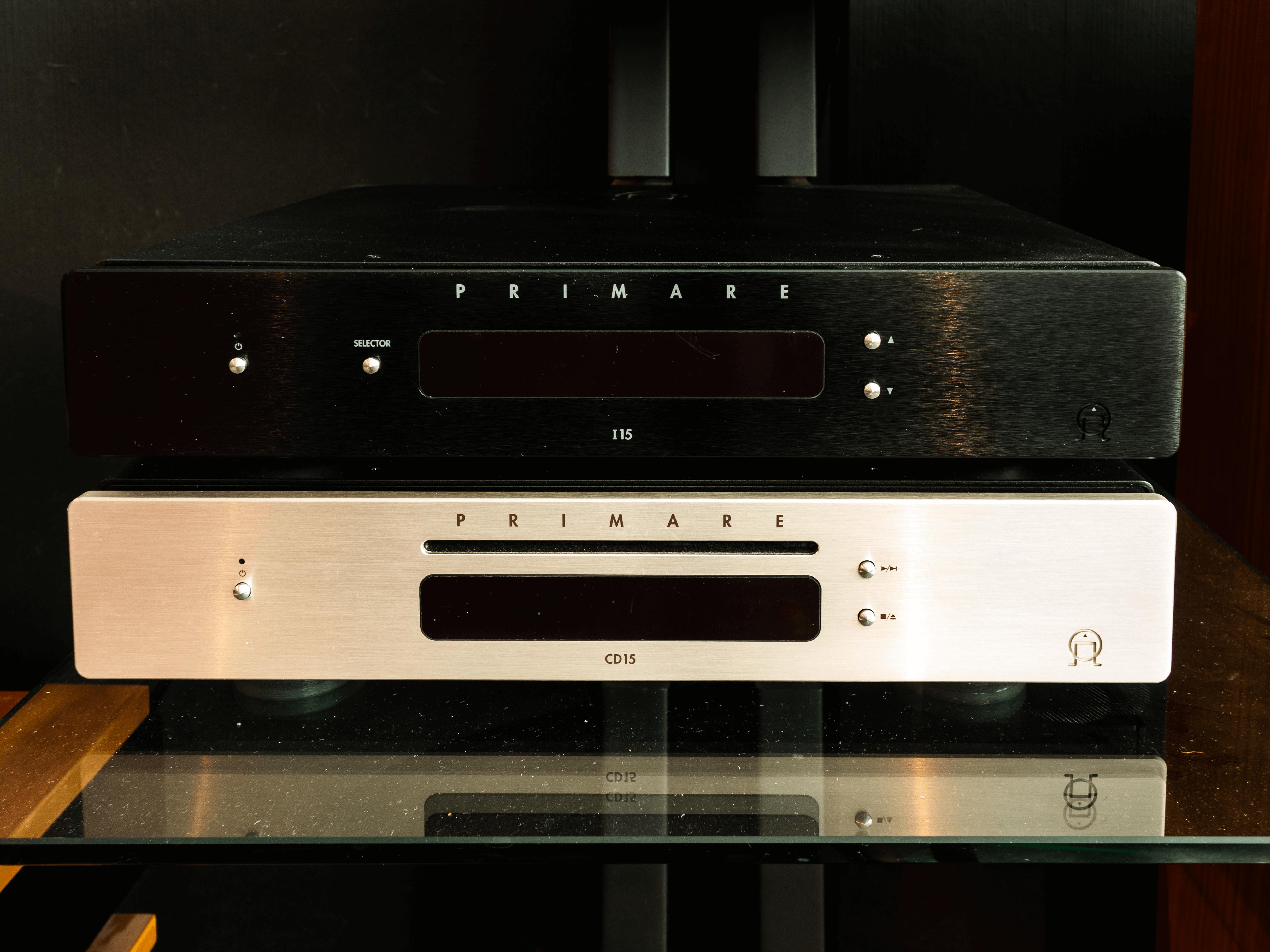 Primare i 15 1000-2000€( ampli intégré et lecteur réseau) / Primare CD15 1000-2000€  ( lecteur cd)